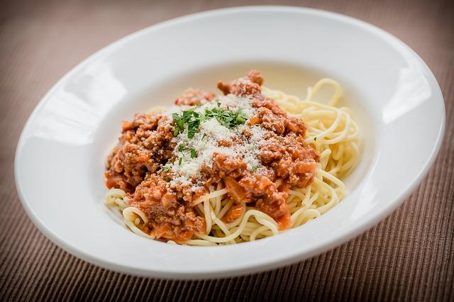 Bolognai spagettivel Séfbabér